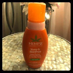 Hempz  Yusu & Starfruit Sunless Bronzing Mousse